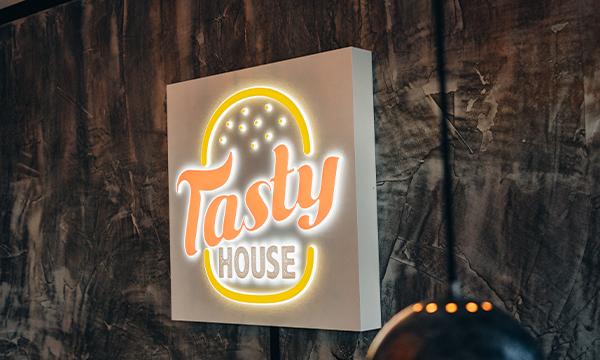 Tasty House Logo